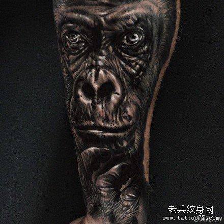 腿部大猩猩肖像纹身图案