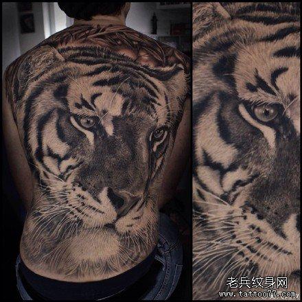 满背虎头纹身图案