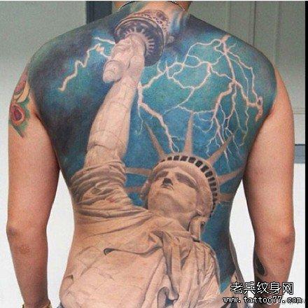 满背自由女神纹身图案