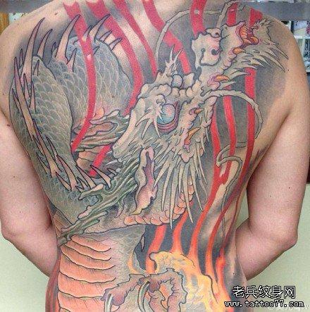 满背天之龙纹身图案