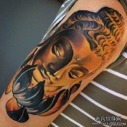 胳膊莲花佛祖纹身图案