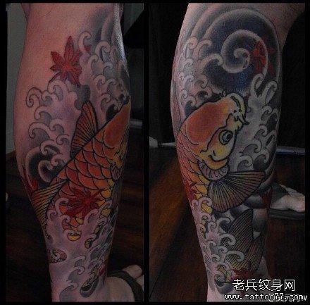 腿部金鲤鱼纹身图案