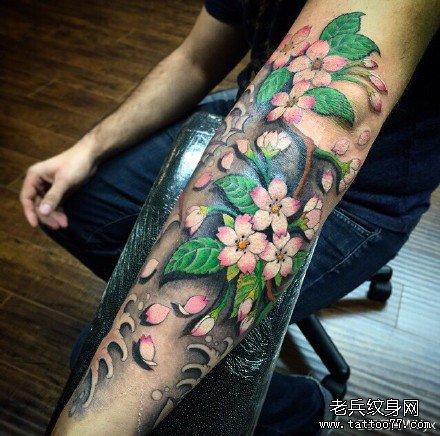 手臂莲花纹身图案最后更新:15-05-30