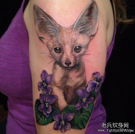 彩色写实狐狸纹身图案