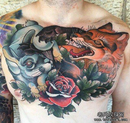胸部兔狐狸纹身图案