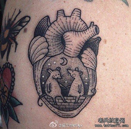 心脏双老鼠纹身图案图片