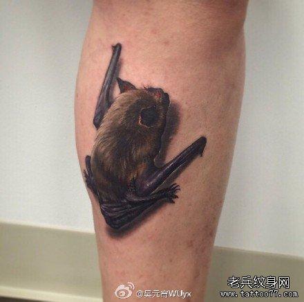 腿部蝙蝠纹身图案