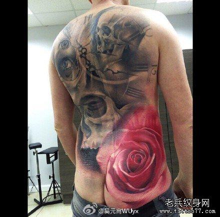 满背粉玫瑰恐怖骷髅纹身图案