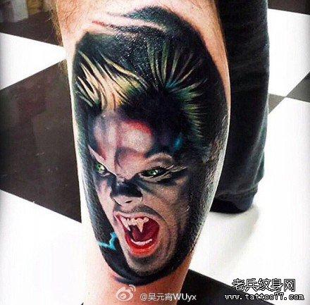 腿部吸血鬼肖像纹身图案