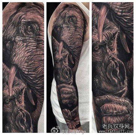 腿部大象纹身图案