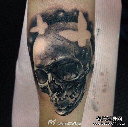 手部花骷髅纹身图案
