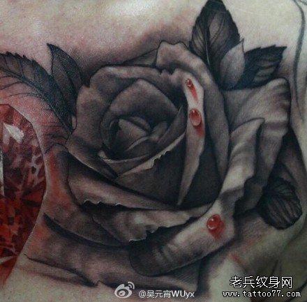 血玫瑰纹身图案