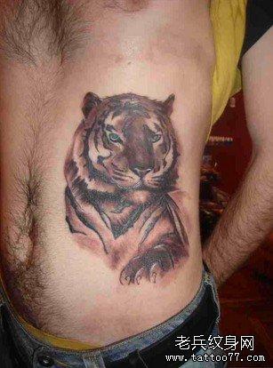 为什么爱上老虎纹身?
