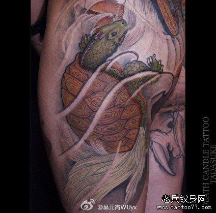 腿部乌龟纹身图案