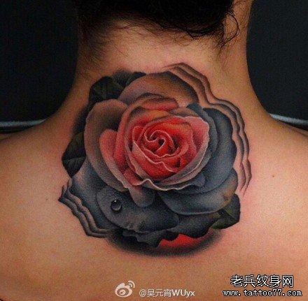 后背黑玫瑰纹身图案