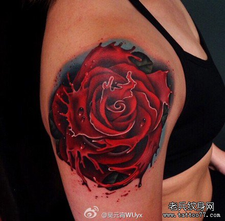 胳膊红玫瑰纹身图案
