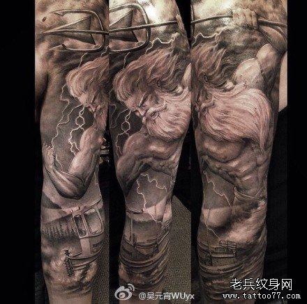 腿部上帝下凡纹身图案图片
