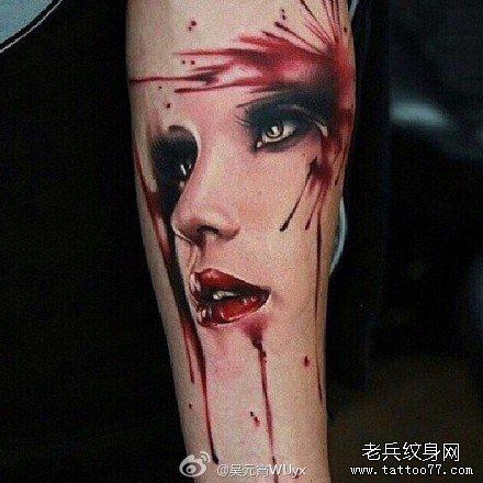 腿部女肖像纹身图案图片