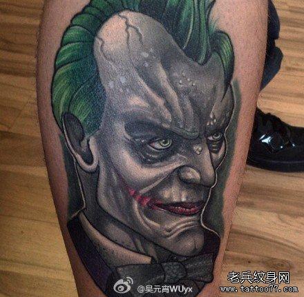 腿部小丑肖像纹身图案