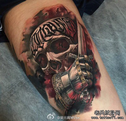 麦克风骑士的徽章个性手臂纹身