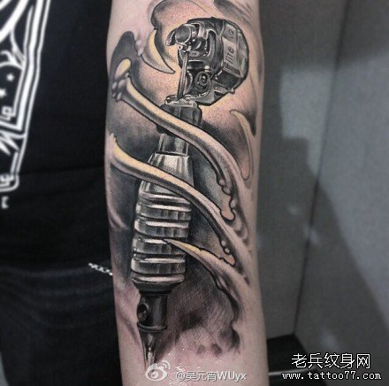 手臂机器纹身图案