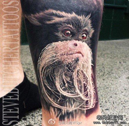 腿部猴老纹身图案