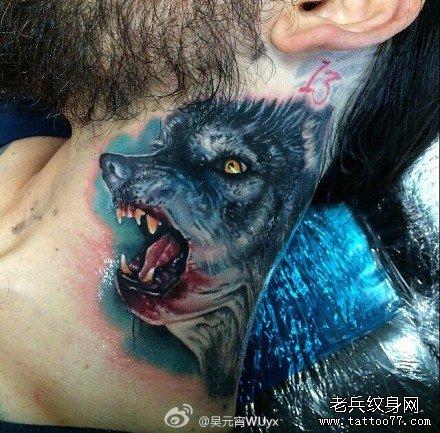 男人腹部经典霸气的虎头纹身图案图片