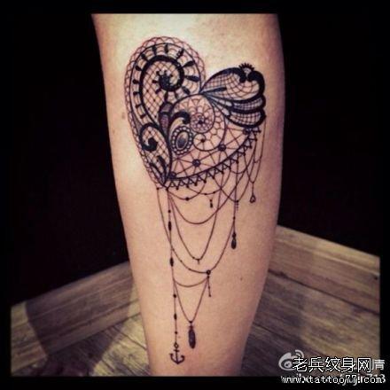 大臂图腾爱心纹身图案图片