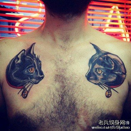 胸部黑猫纹身图案
