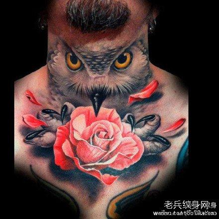 脖部猫头鹰纹身图案