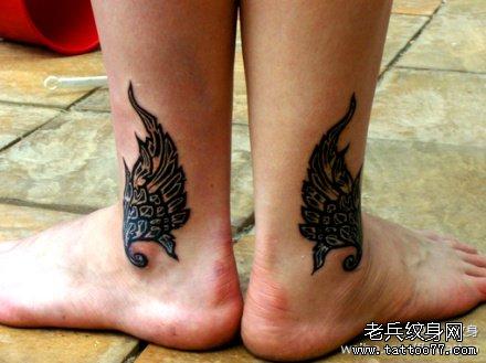腿部翅膀纹身图案