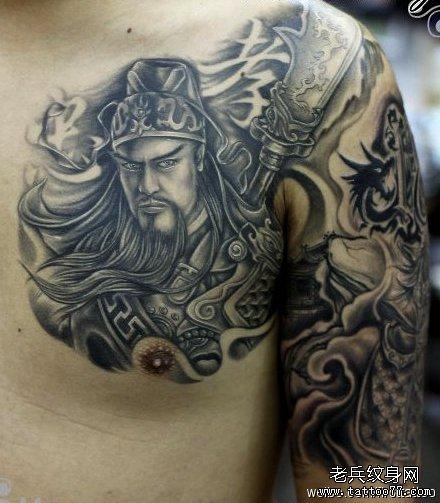 男人喜欢的满背关公骑龙纹身图案