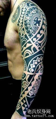 手臂霸图腾纹身图案