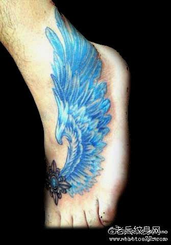 胳膊情侣翅膀纹身图案