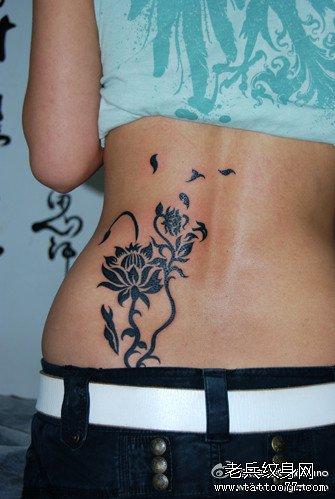 腰部玫瑰图腾纹身图案