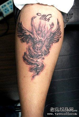 一款小巧可爱的小天使纹身图案
