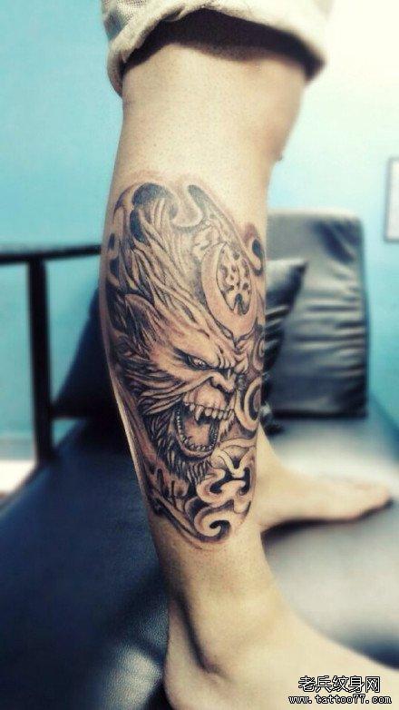 腿部魔猴纹身图案