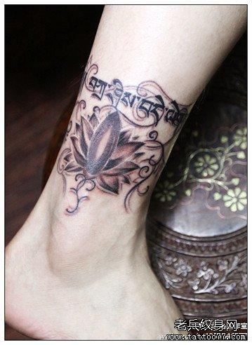腿部莲花梵文纹身图案