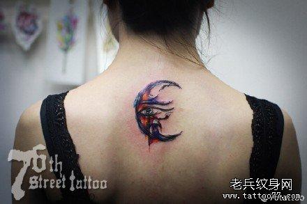 后背幻彩月亮纹身图案