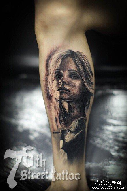 腿部女肖像纹身图案