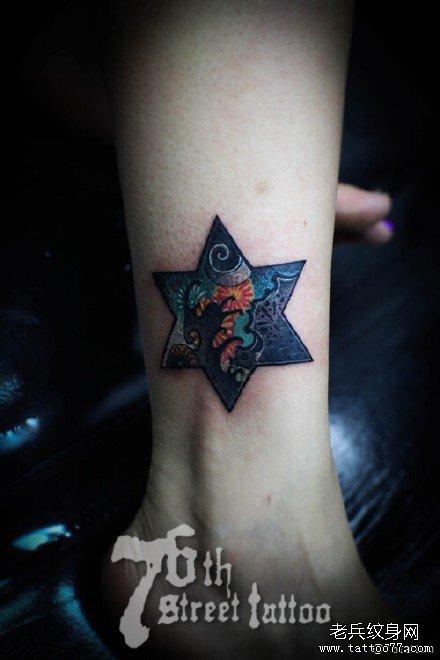 腿部六角星纹身图案