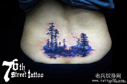 腰部森林纹身图案
