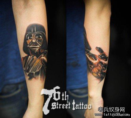 手臂黑武士纹身图案