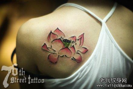 腿部精美好看的传统莲花纹身图案