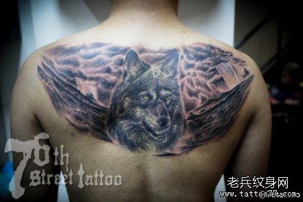 后背狼纹身图案