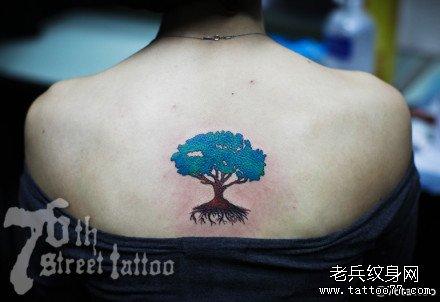 后背树林纹身图案