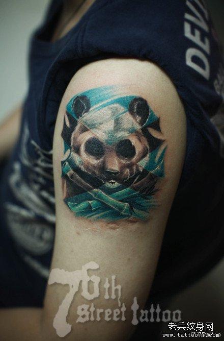 胳膊熊猫纹身图案