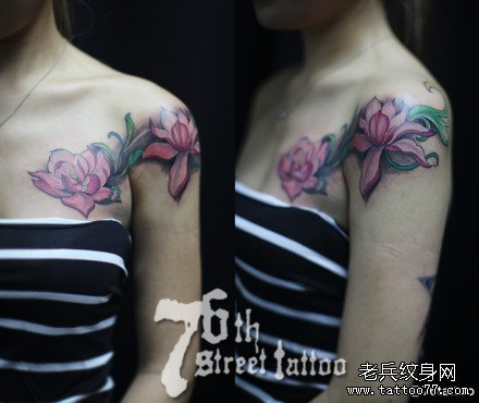 胸部莲花纹身图案