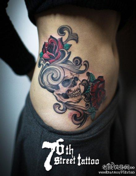 腹部玫瑰骷髅纹身图案