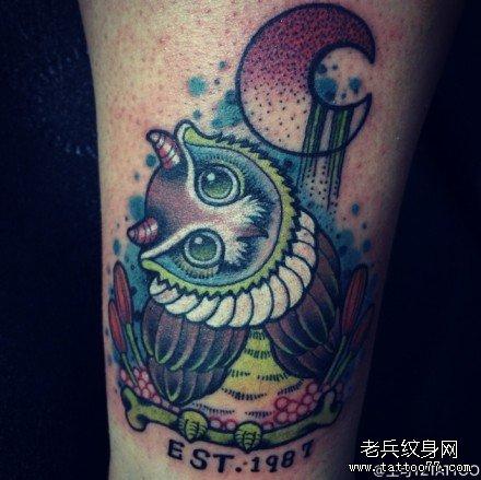腿部船纹身图案